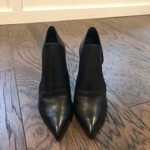 Steve Madden Shoes - Steve Madden Dolly Black Leather Pumps